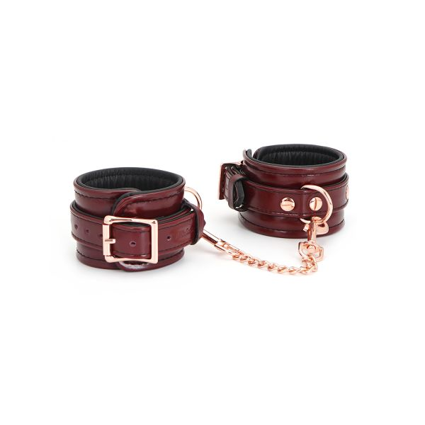 Manette - Wine Red